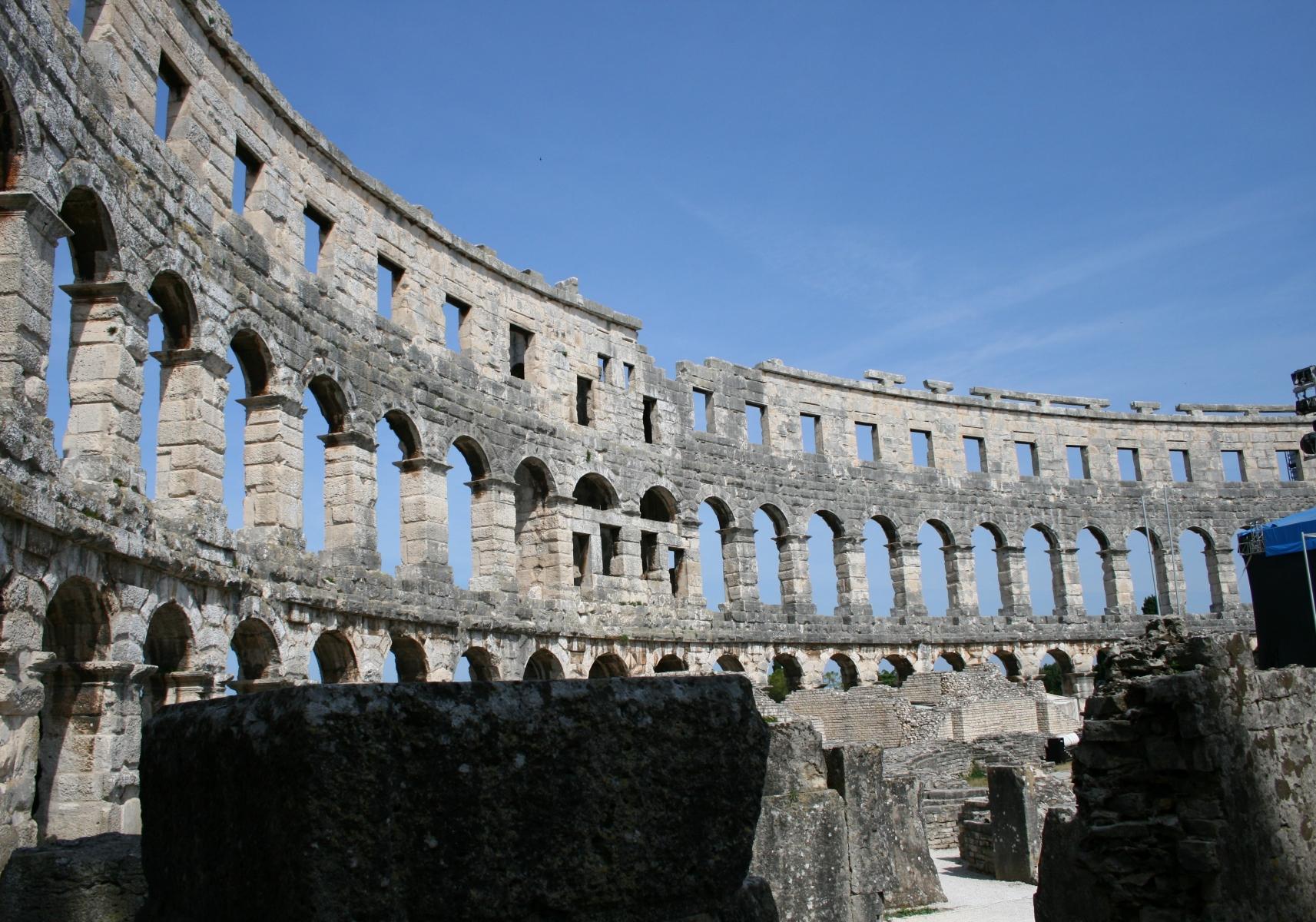 9-Pula-Kolosseum-3